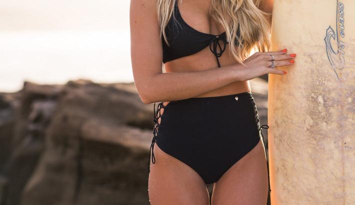 bikini med höga trosor