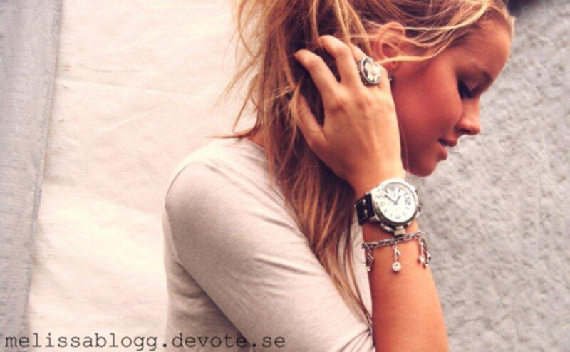 Часы большие на руку женские