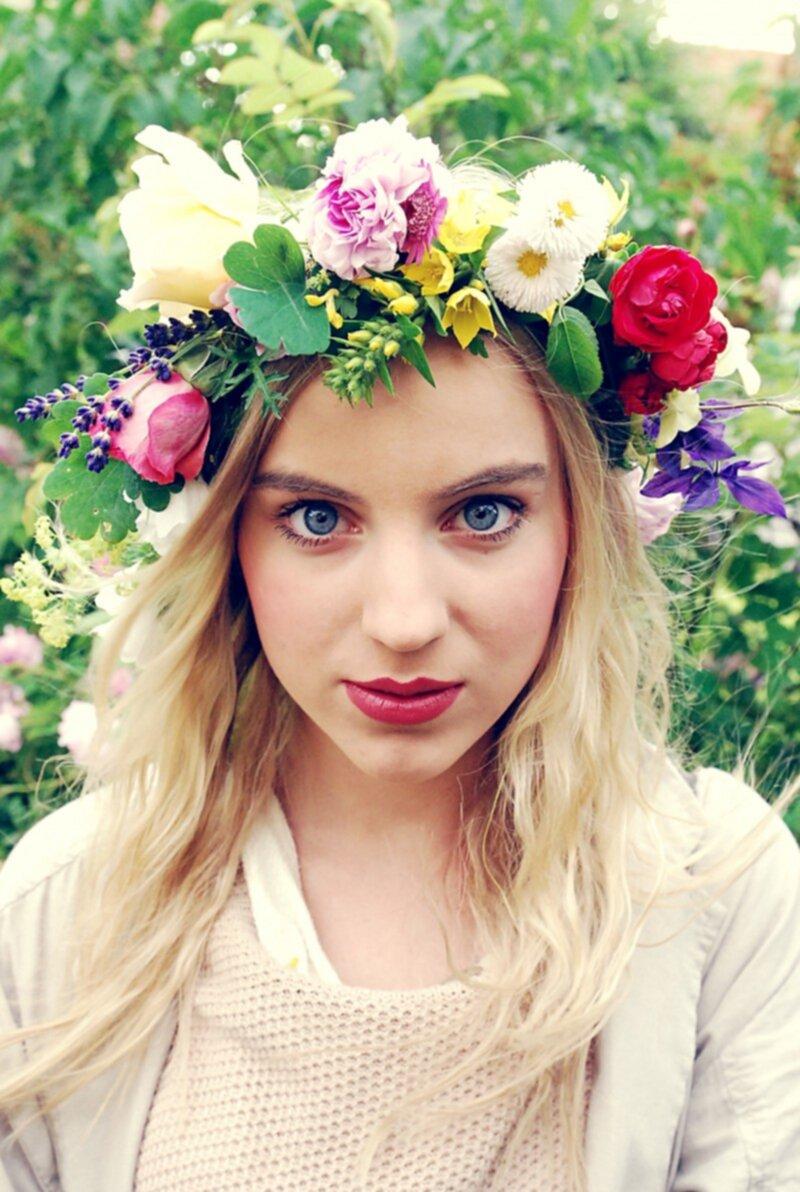 blomsterkrans i håret
