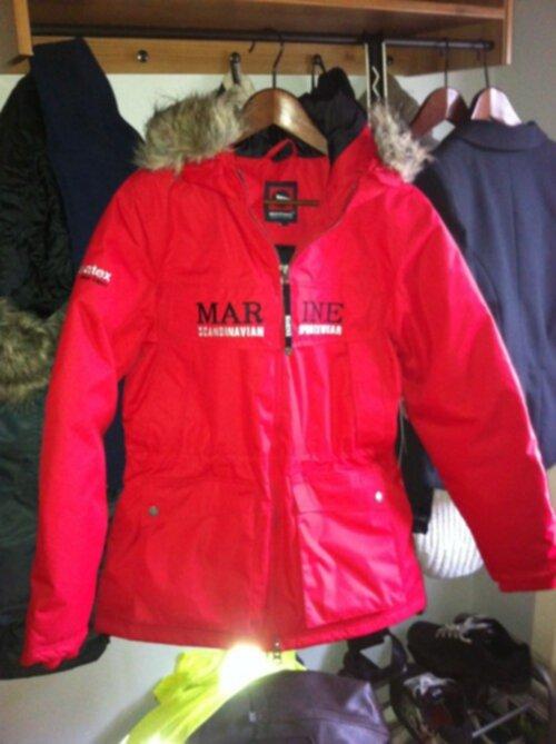 7161bf6e8fc0 röd Marine jacka ;::)