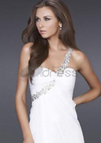 7a5ef08d50f3 Ren vit spetsklänning kavajslag verkade ren och vacker, med de tunna vita  strumpor med vita spetsar strumpor och vita skor, de övergripande rena vita  ...